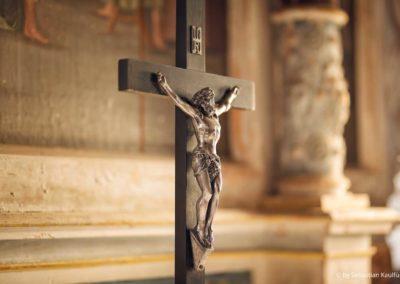 Altarkreuz in der Kirche Fürstenwalde