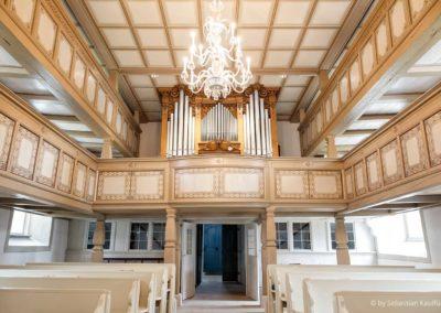 Empore und Orgel der Kirche Liebenau